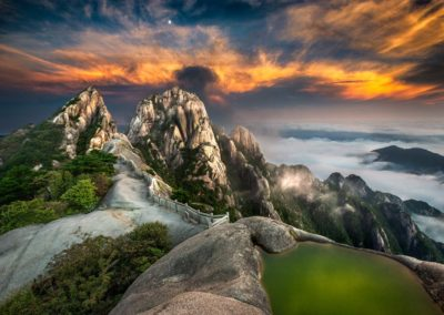Sunset over Huanshan
